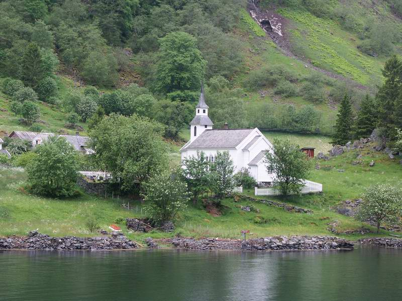 Along the fjord are several tiny villages wich are only connected to the rest of the world by the ferry.