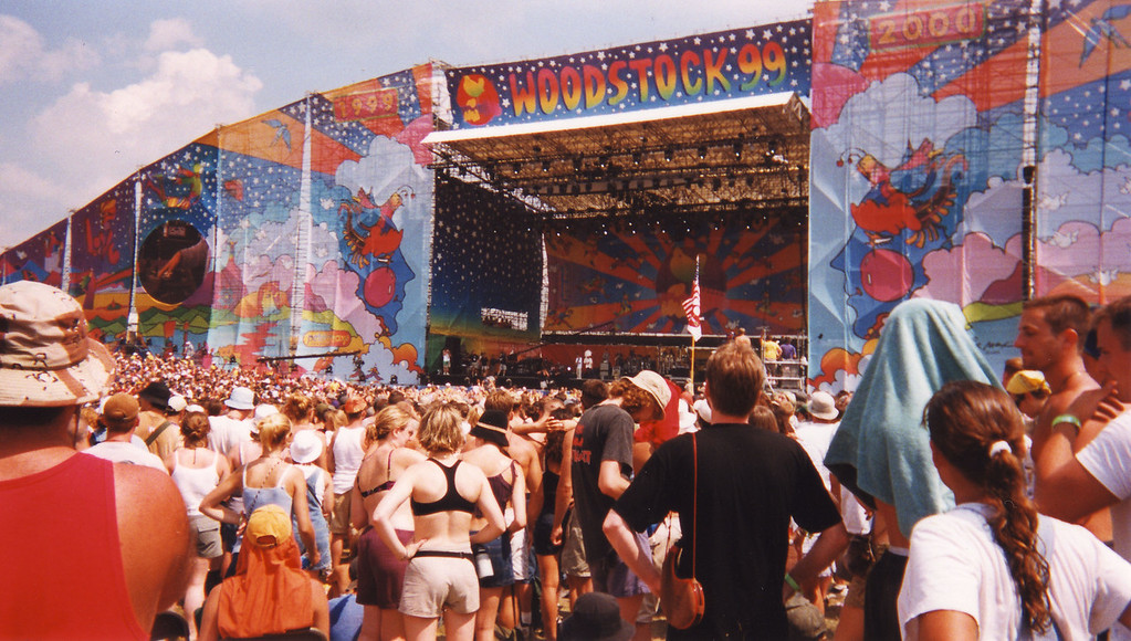 woodstock_stage