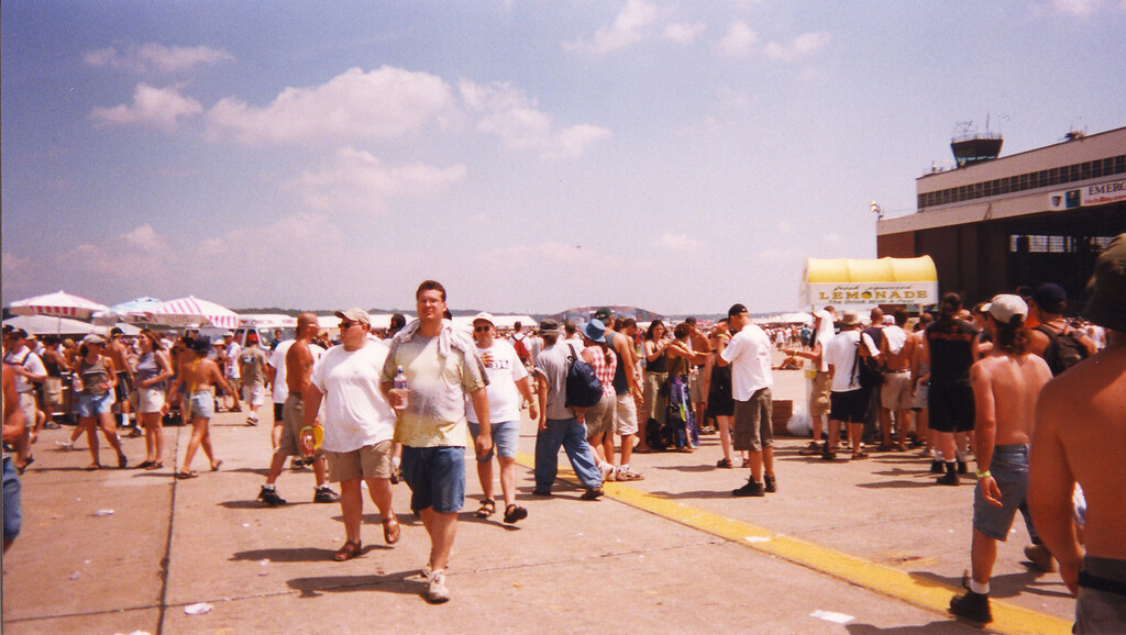 crowd_woodstock