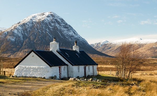 Black Rock cottage with Stob Coire Raineach and Glencoe