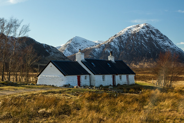 Black Rock cottage with Stob Coire Raineach;