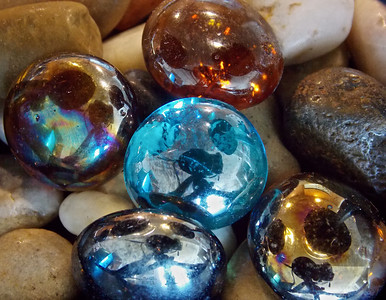 Colored stones ref: 01b0c31f-ae65-441c-aa64-eef752eebd10