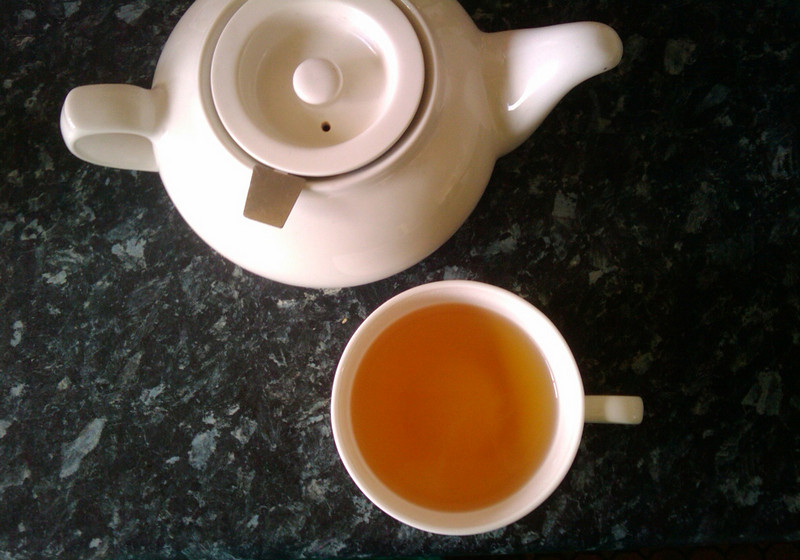 perfect simple tea and pot