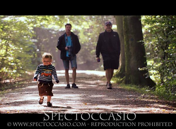 """Om ni vill boka en fotosession eller har några frågor är det bara att höra av sig via email eller telefon:  <a href=""""mailto:info@spectoccasio.com"""">info@spectoccasio.com</a>   0723222916  http://www.spectoccasio.com/contact"""