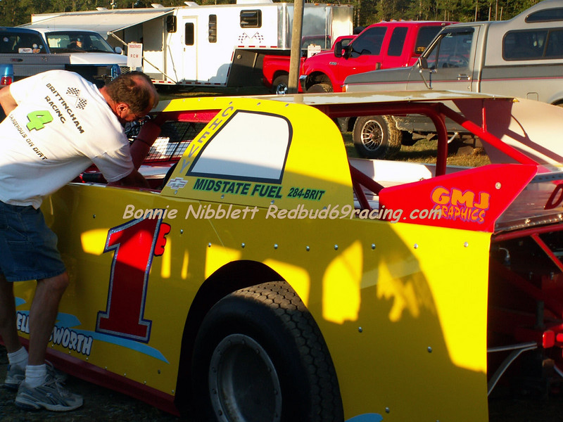 September 15, 2007 Redbud's Pit Shots Steve Ellingsworth in the 1E made a debut in a new Street Modified  (not crate motor) in several years off