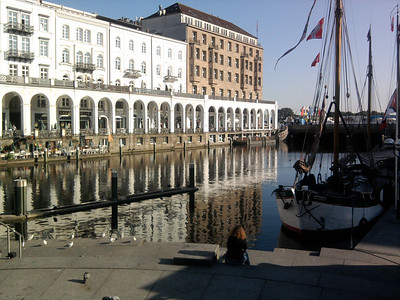 Business trip to Hamburg. Warm and sunny, and time to enjoy the harbour area ...