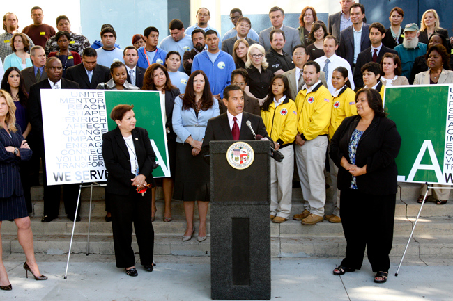 With City Year LA AmeriCorps members behind him, Mayor of Los Angeles Antonio Villaraigoso launches We Serve LA, the service plan for the California city. (Photo courtesy Cities of Service)
