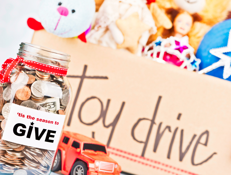 There are still many ways for procrastinators to give to charities as the holidays approach.