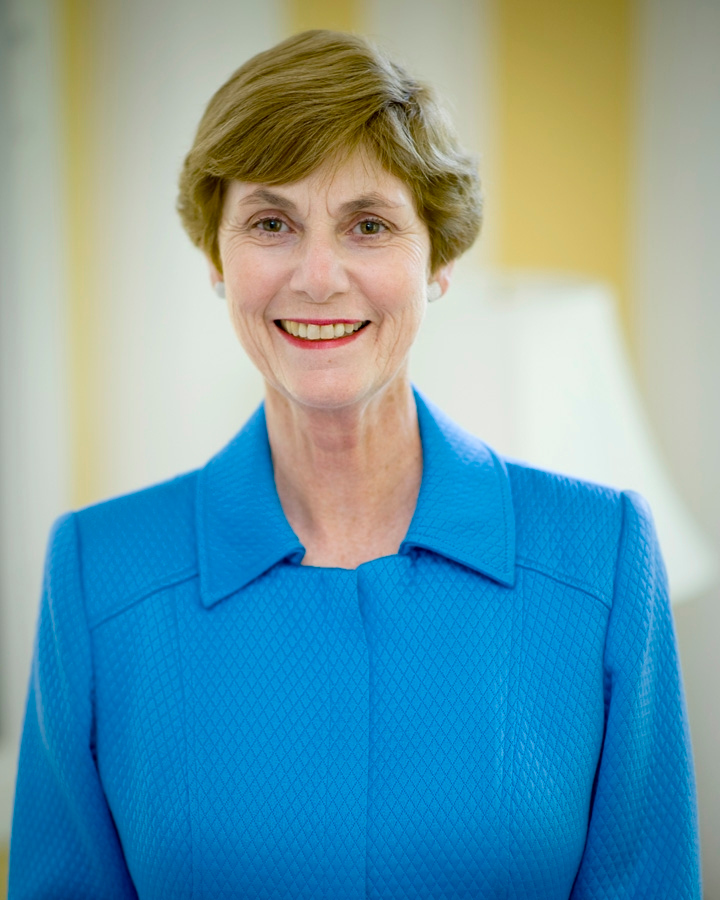 090719-N-0696M-100 <br /> A portrait of Mrs. Deborah Mullen, July 19, 2009, Quarters AA, Washington, D.C. (DoD photo by Mass Communication Specialist 1st Class Chad J. McNeeley/Released)