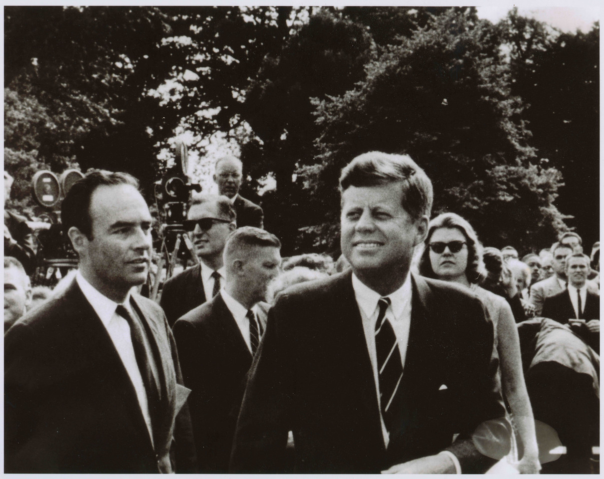 Harris Wofford with President John F. Kennedy Jr. on the South Lawn of the White House for the sendoff of some of the first Peace Corps volunteers in 1962.