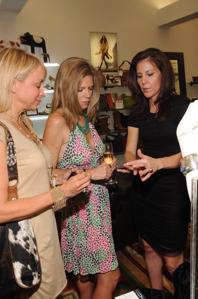 Elizabeth James, Stephanie Perkins & Shamaine