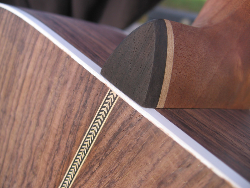Close-up: herringbone strip and neck decoration