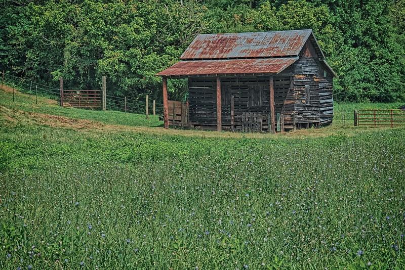 Barn on 501 near James River