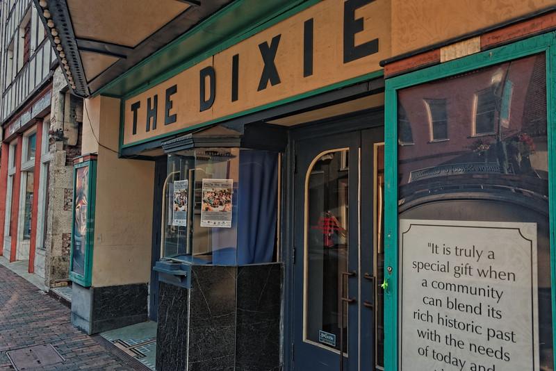 Old Dixie Theater, Staunton