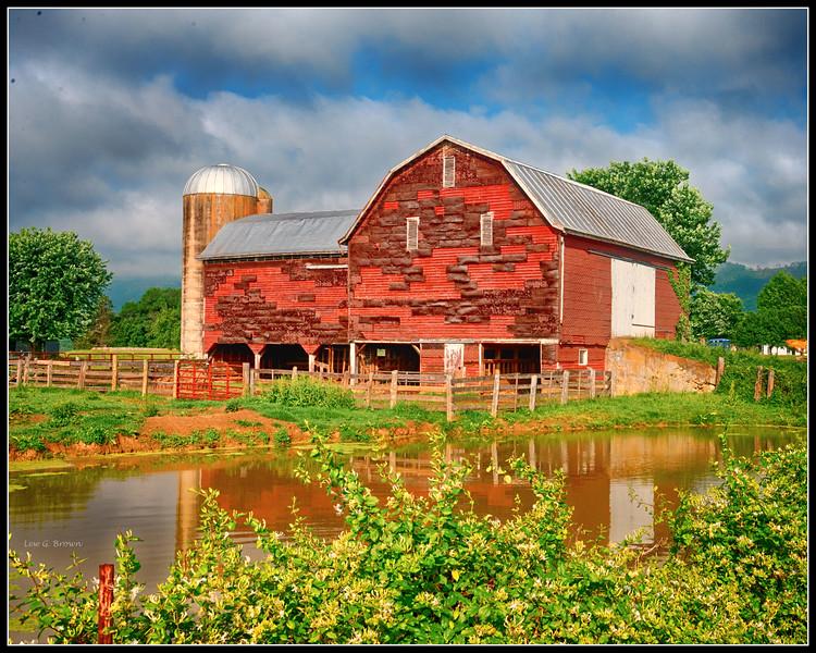 Red Barn on VA highway 340