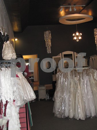 '2 Be Trendy' features formal wear for men and women, and many of the lastest fashions for everyday and dress.  This store is in one of Fort Dodge's old movie theaters.