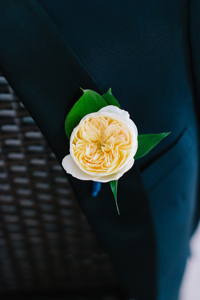 groomsmen flower pin