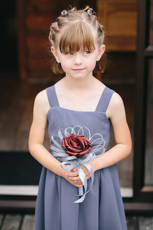 Adorable little flower girl