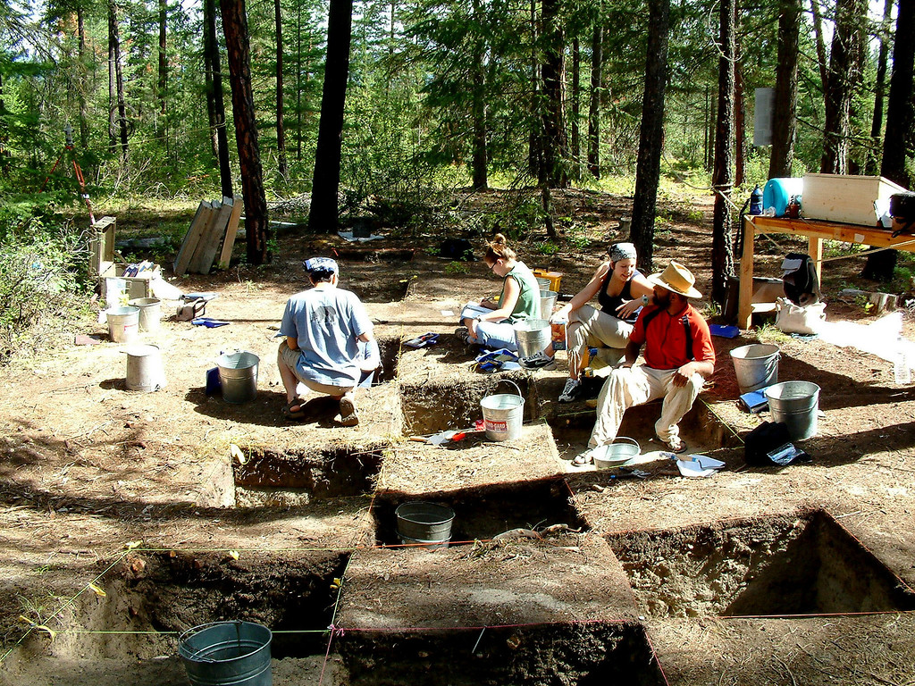 SFU Archaeology students