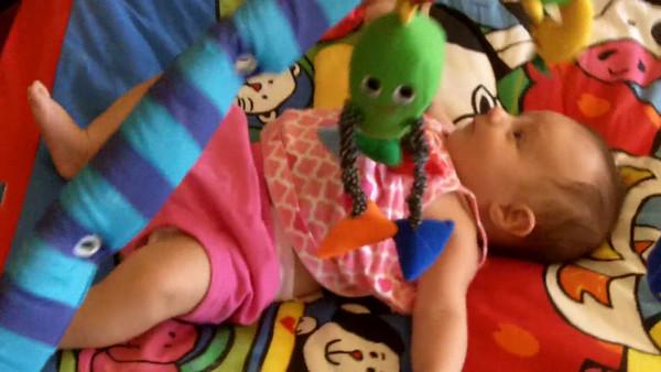 Sienna Rae 8 weeks old VIDEO
