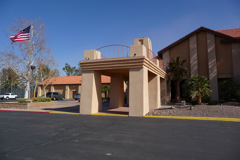 The Silver Lakes Community Center entrance