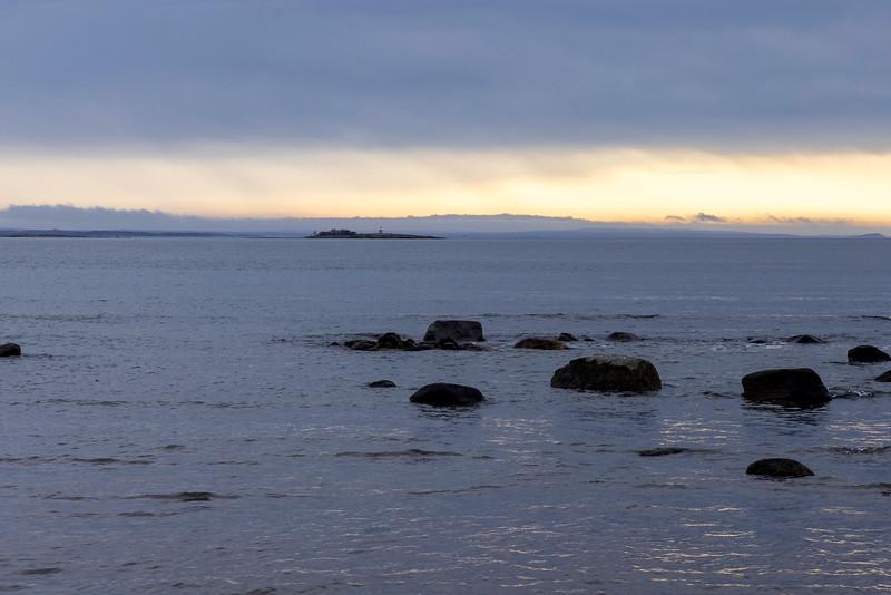 Soloppgang ved kysten<br /> Borre, Vestfold 31.3.2021<br /> Canon EOS R5 + RF24-105mm F4 L IS USM @ 105 mm