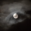 Månen gjennom skyer / Moon through clouds<br /> Madeira, Portugal 1.7.2018<br /> Canon 5D Mark IV + EF 100-400mm f/4.5-5.6L IS II USM