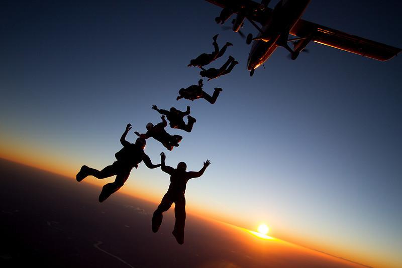 """<a href=""""http://www.skydivingstills.com/photos/i-qD2jhHb/4/X3/i-qD2jhHb-X3.jpg"""">http://www.skydivingstills.com/photos/i-qD2jhHb/4/X3/i-qD2jhHb-X3.jpg</a>"""