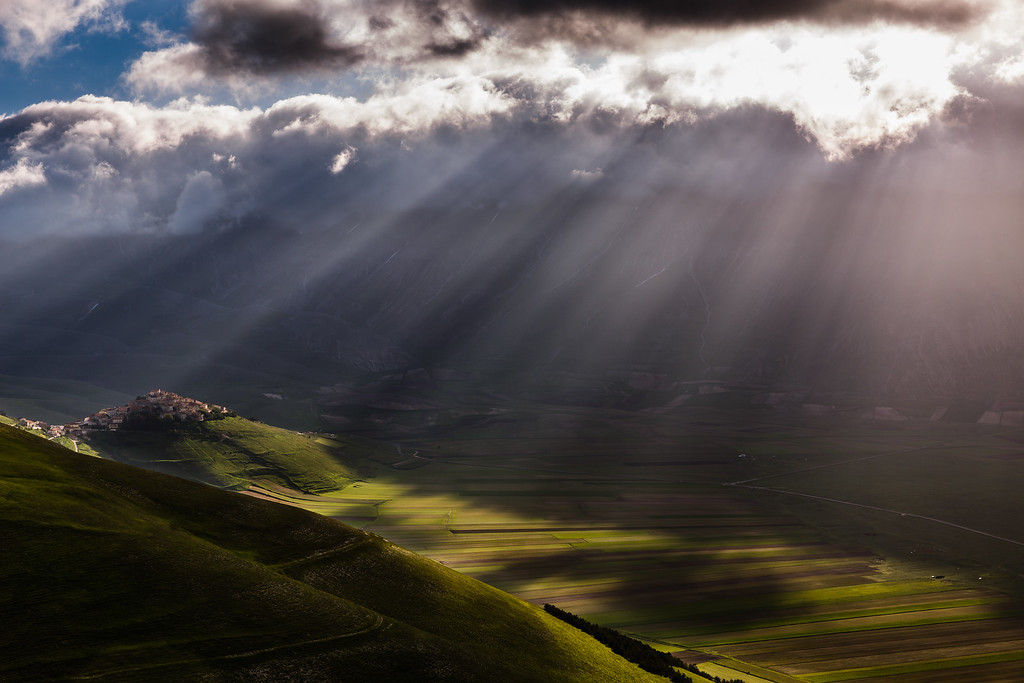 Castelluccio in morning sun rays