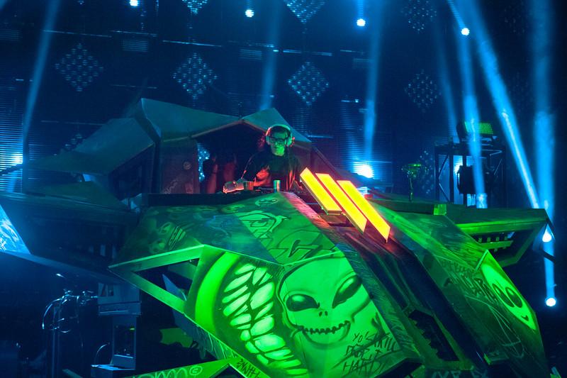 Skrillex at XS Nightswim EDC WEEKEND 6/22/14 - YouTube
