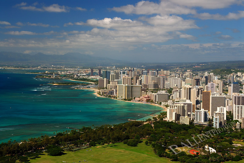 """Overlooking Waikiki beach on Oahu island in Hawai'i. More images are available at the <a href=""""http://www.ballentphoto.com/gallery/2188242"""">Hawaii 2006 Gallery</a>"""