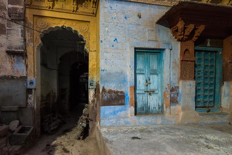 Narrow streets of Jodhpur, Rajasthan, India.