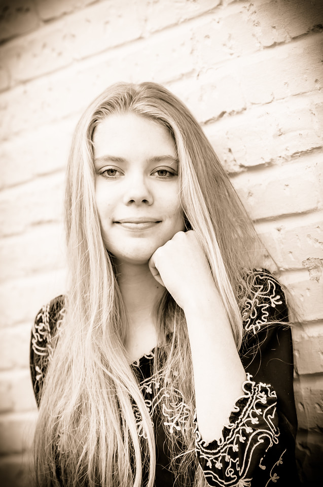 Molly R  Senior - 11-28-2015 Sepia-140