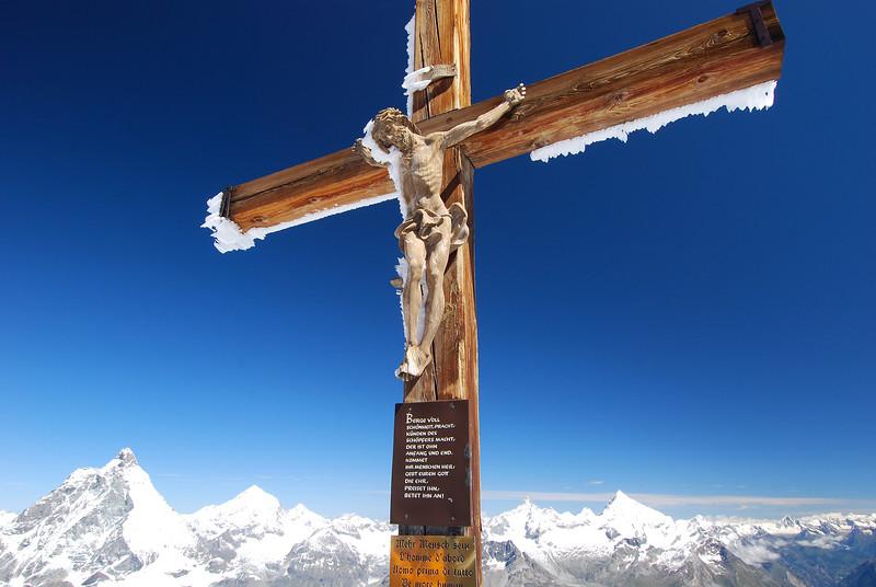 Crucifix on top of Klein Matterhorn....Matterhorn on the left background.