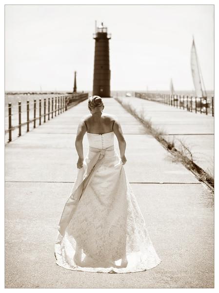 Wedding: Bridal Candid