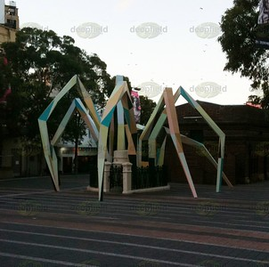 Stupid spider installation at Taylors square darlinghurst - being dismantled today :)