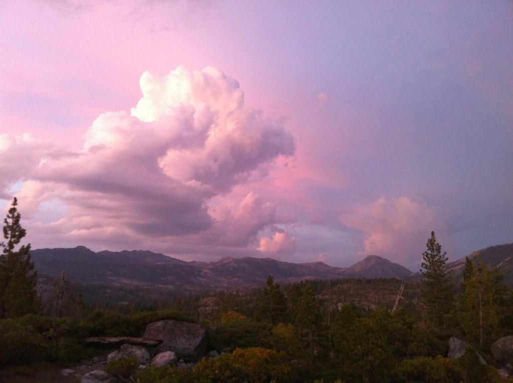 An amazing last sunset on yuba ridge for the '10 Marin Sierra year.