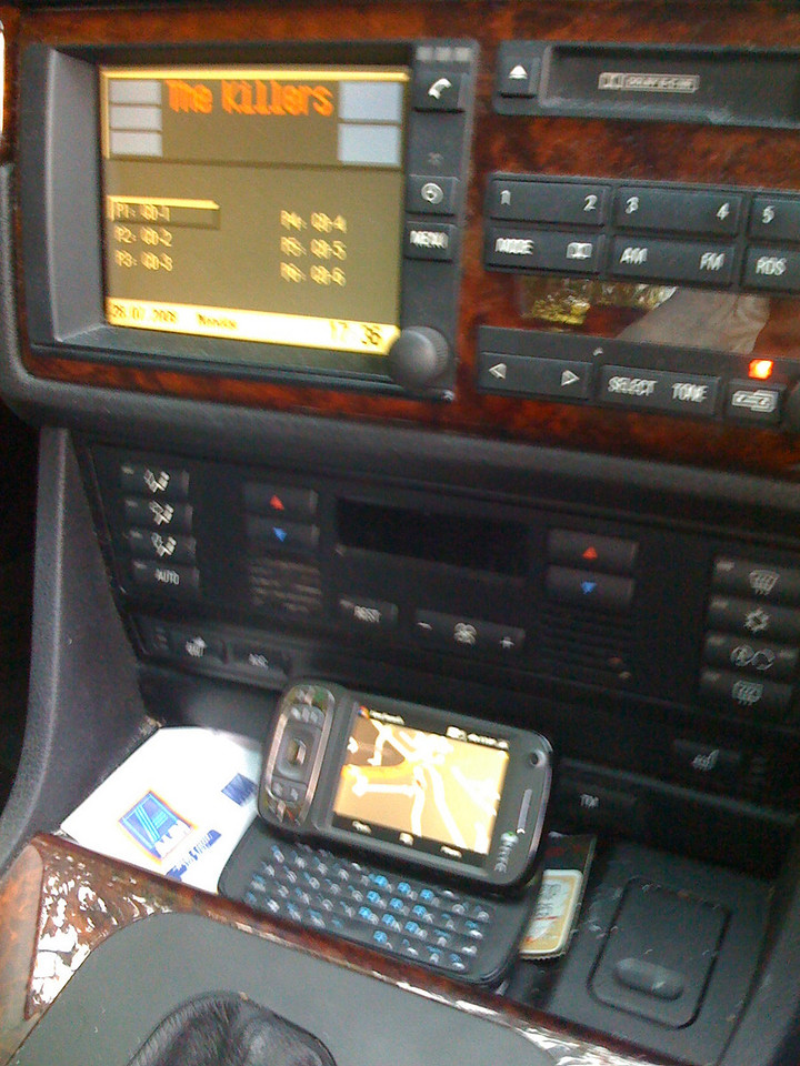 Kaiaer in car