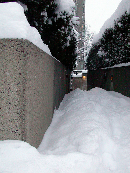 Entrance to CSC parking garage... little difficult to get in.