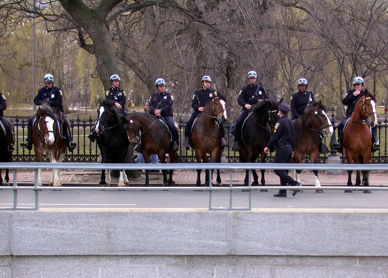 Police on horseback still keeping control... that was easy this day as you can see.