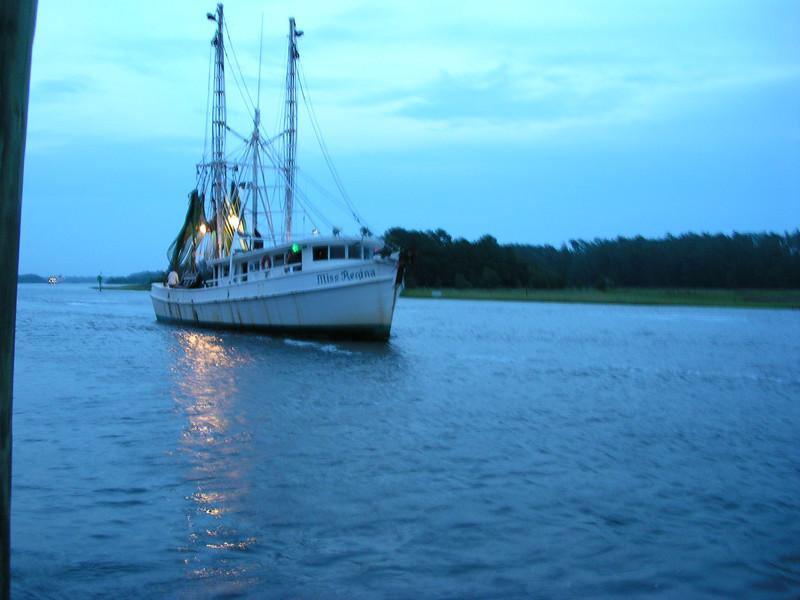 dock dinner 003