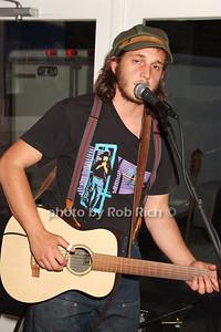 Willie Mason photo by Rob Rich © 2008 516-676-3939 robwayne1@aol.com