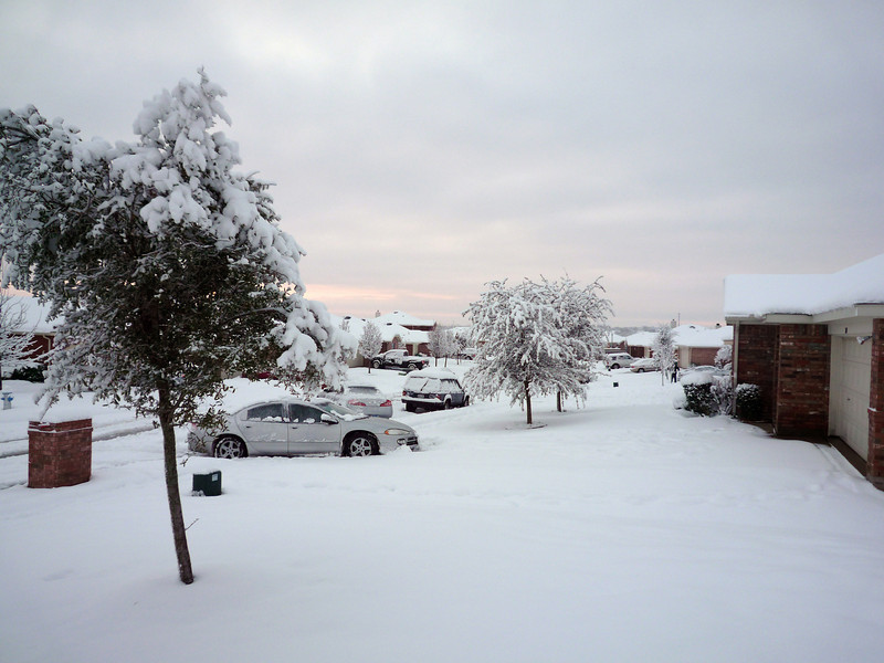 snowinstreet12feb10smug