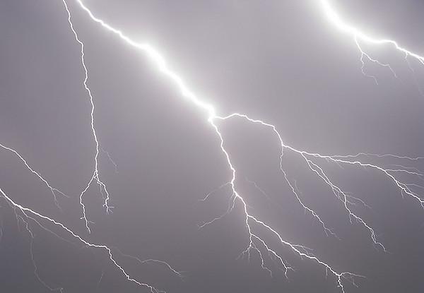 "<a href=""http://xenogere.com/"" title=""xenogere"">Lightning</a>"