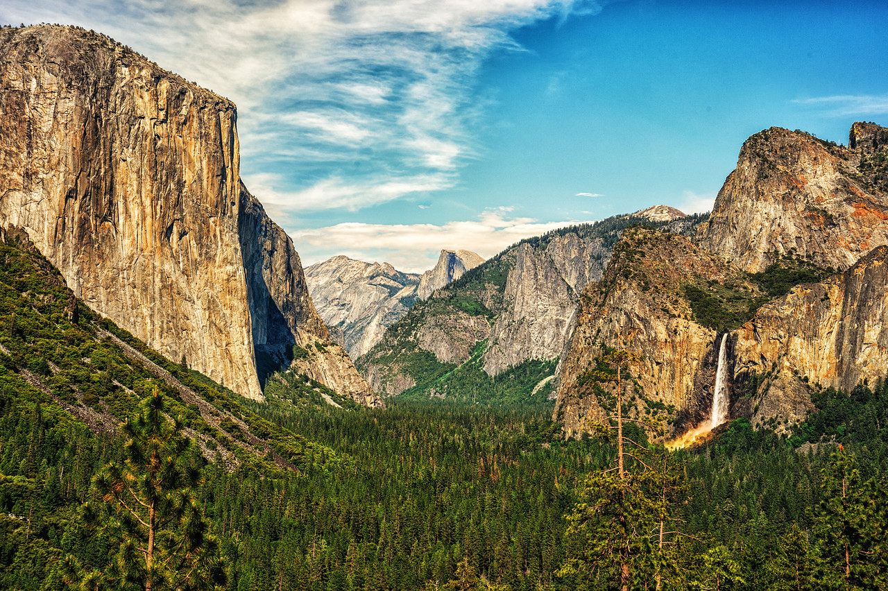 View from the tunnel El Capitan to the left Half Dome out center
