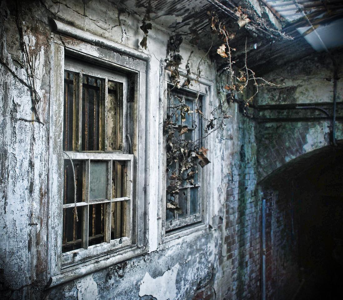 windowalcatraz2