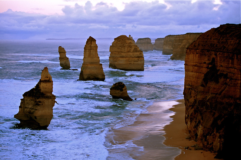 Coastline at the 12 Apostles Marine National Park, Victoria, Australia. as seen in 1998. The 50-meter high sea stack on the left collapsed in July 2005.
