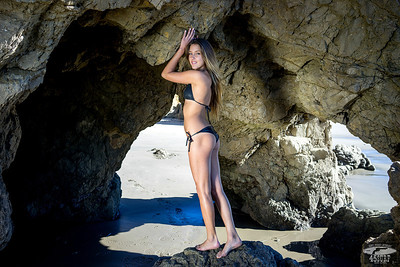 Sony A7R 35mm F/2.8 Carl Zeiss Sony Sonar Lens Sharp Bikini Swimsuit Model 45SURF Goddess Photorgaphry