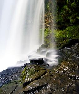 Details of the falls behind Sgwd yr Eira
