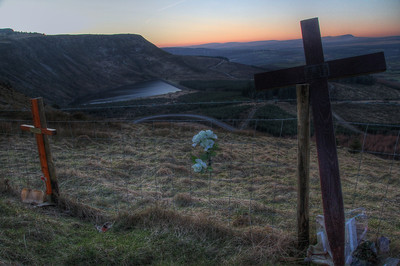 Crosses by the road at Llyn Fawr